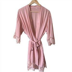 Crochet accent robe